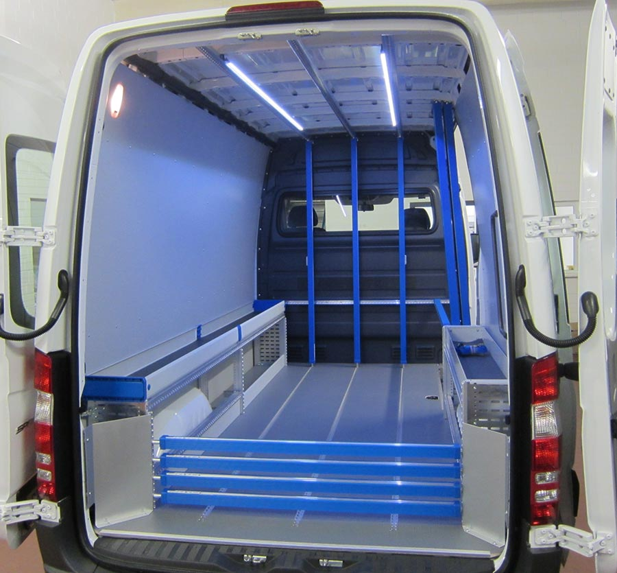 Beleuchtung Fahrzeugeinrichtung - Gruber Fahrzeugbau GmbH